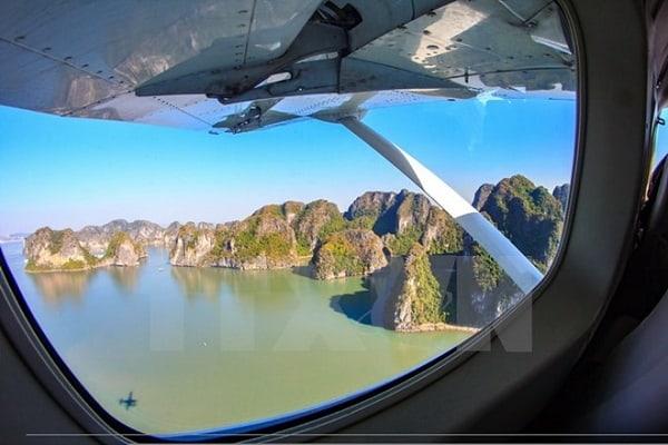 Du lịch Hạ Long bằng thủy phi cơ cụ thể thông tin. Review, kinh nghiệm du lịch Hạ Long bằng thủy phi cơ giá vé, lộ trình cụ thể.