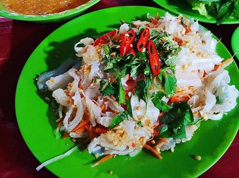 Ăn gì ở Nha Trang, món ăn ngon Nha Trang, gỏi cá mai