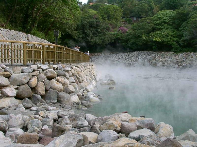 Suối nước nóng bản Moòng - Điểm du lịch độc đáo ở Sơn La