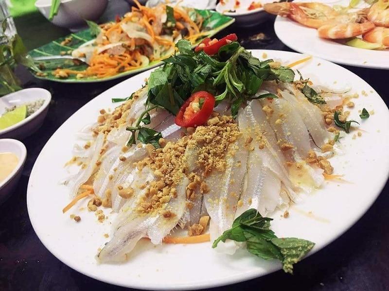 Địa chỉ ăn hải sản nổi tiếng ở Nha Trang: Du lịch Nha Trang nên ăn hải sản ở đâu ngon, chất lượng mà giá rẻ? Quán ốc Long Vũ, nhà hàng, quán ăn hải sản thơm ngon, nổi tiếng ở Nha Trang