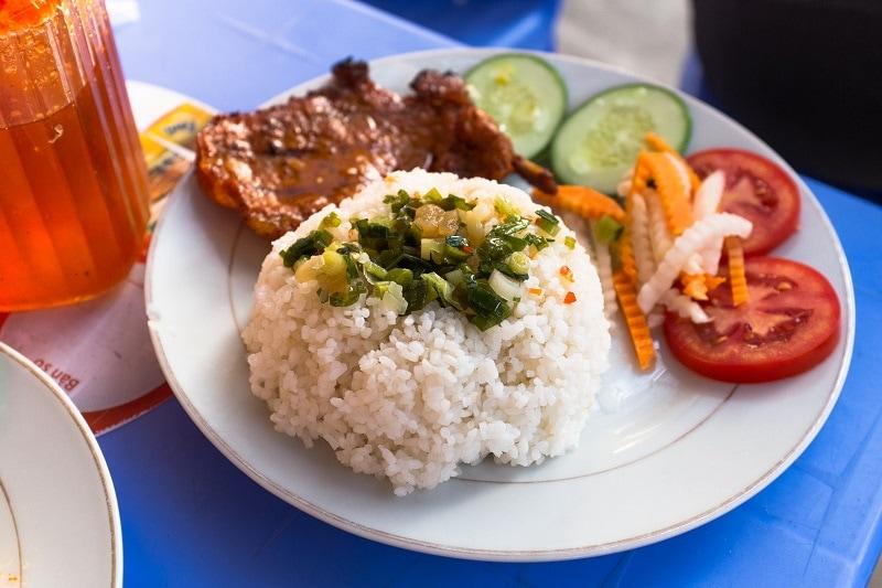 Nhà hàng Cơm Tấm - Địa chỉ ăn uống nổi tiếng ở Côn Đảo