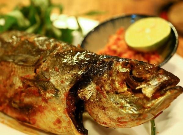 Món ăn đặc sản Phú Quốc, cá sòng nướng