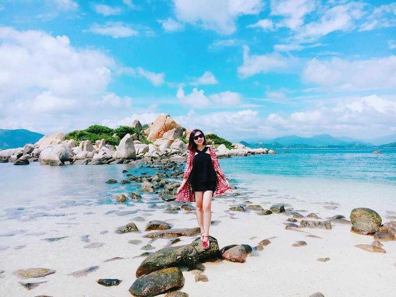 Kinh nghiệm du lịch đảo Bình Ba cụ thể, chi tiết nhất: Hướng dẫn phượt đảo Bình Ba giá rẻ