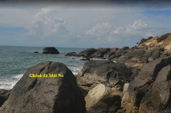 Kinh nghiệm du lịch Mũi Né mới nhất. Địa điểm du lịch ở Mũi Né. Ghềnh đá Mũi Né
