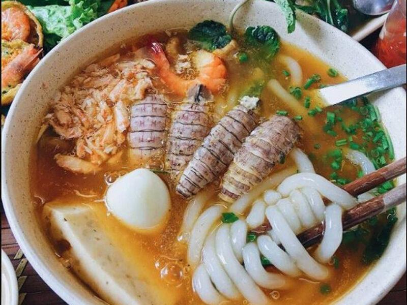 Các quán bánh canh ngon & nổi tiếng nhất Sài Gòn