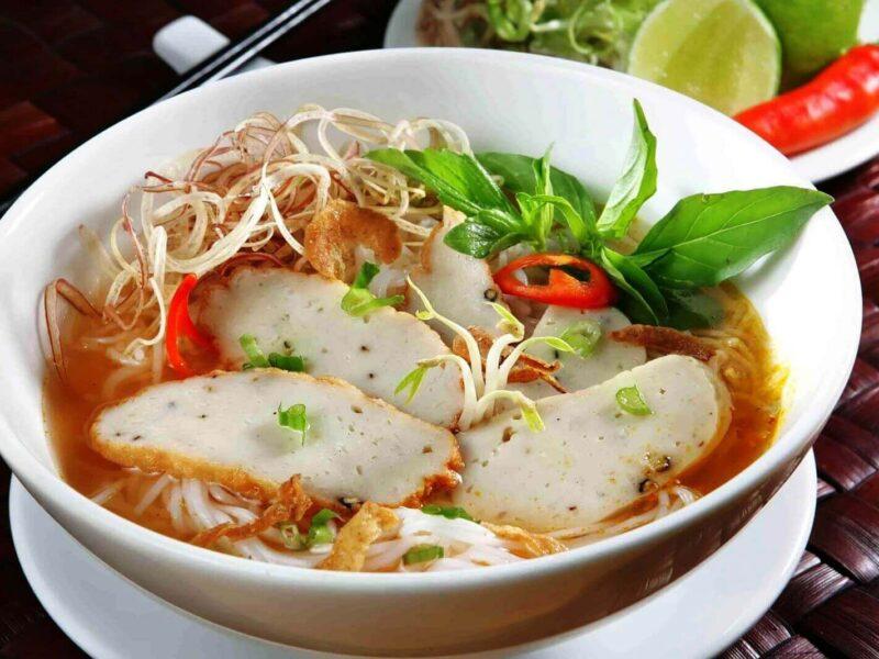 Địa chỉ ăn uống ngon nhất Nha Trang: quán ăn sáng nổi tiếng ở Nha Trang