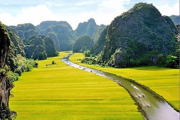 Cập nhật địa điểm du lịch nổi tiếng 63 tỉnh thành ở Việt Nam. Du lịch Ninh Bình có gì hay?