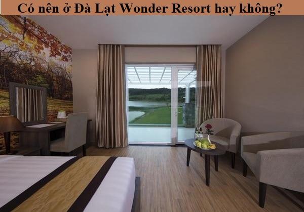 Có nên ở Đà Lạt Wonder Resort hay không? Phòng Deluxe hướng hồ ở Đà Lạt Wonder Đà Lạt