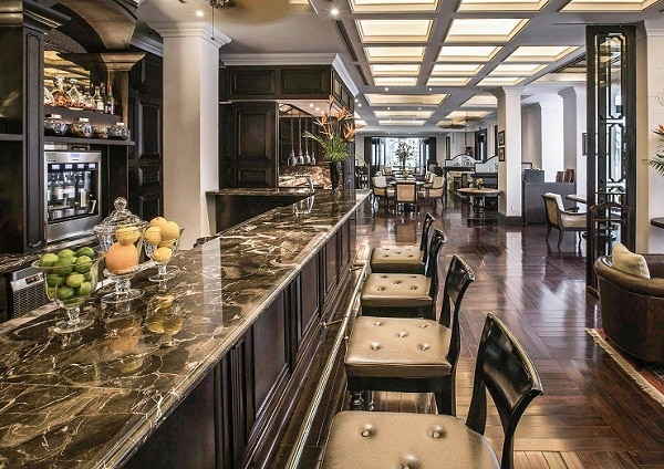 Le Club Bar thuộc khách sạn Sofitel Legend Metropole Hà Nội