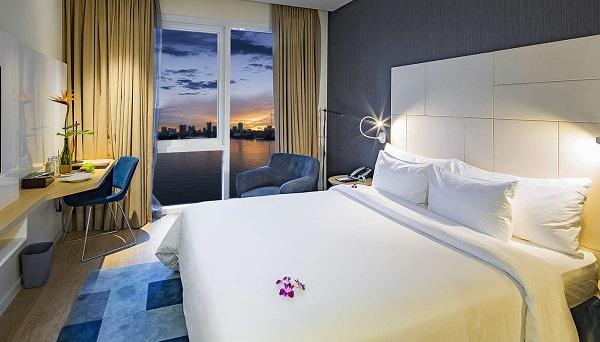 Phòng Premier River View ở khách sạn Liberty Central Saigon Riverside