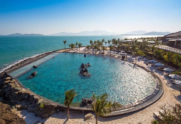 Resort sang chảnh ở Nha Trang, hồ bơi của Amiana Resort and Villas Nha Trang