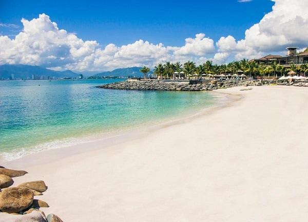 Resort đẹp ở Nha Trang, bãi biển riêng của Amiana Resort and Villas Nha Trang