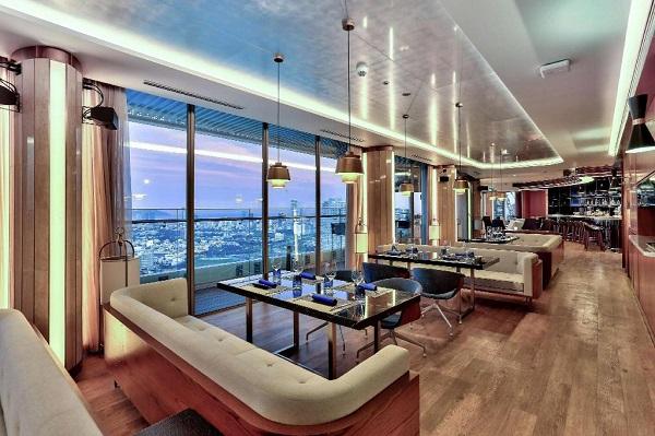Review khách sạn Hilton Đà Nẵng: Không gian The Sail tầng 28 của khách sạn Hilton Đà Nẵng