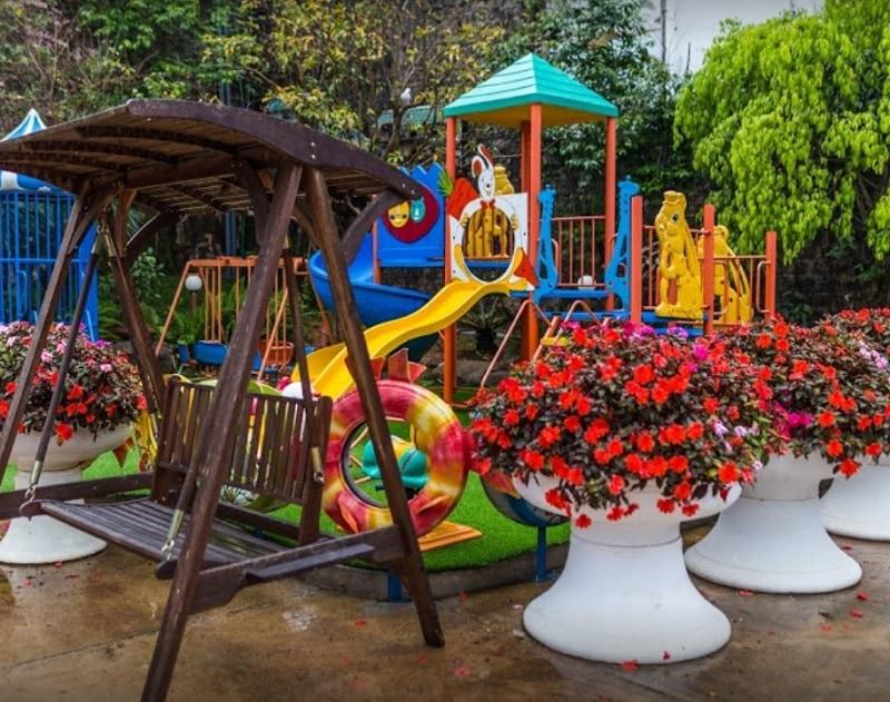 Khách sạn Zen Valley Dalat Resort. Khách sạn gần chợ đêm Đà Lạt.