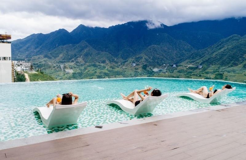 Review khách sạn Bamboo Sapa Hotel. Khách sạn ở Sapa gần chợ tình