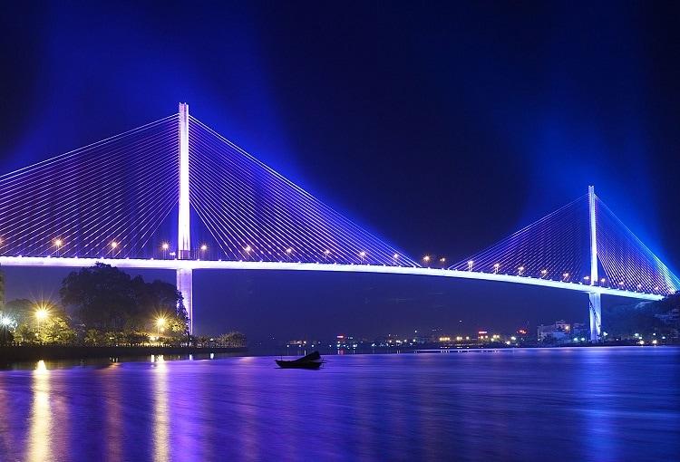 Địa điểm du lịch ở Hạ Long, check in với cầu Bãi Cháy