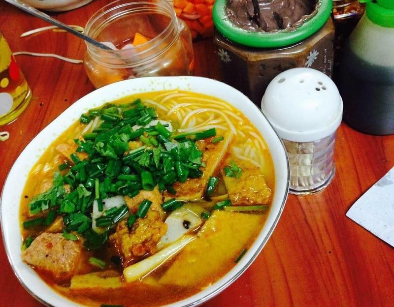 Quán ăn trưa ngon ở Đà Nẵng. Trưa ăn gì ở Đà Nẵng? Bún chả cá Bà Lữ