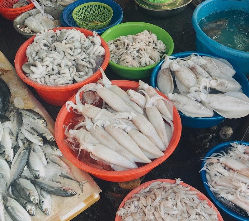 Kinh nghiệm đi chợ hải sản Sầm Sơn không bị mua đắt, bịp