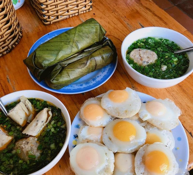 Bánh căn xíu mại Cây Bơ - quán bánh mì xíu mại ở Đà Lạt