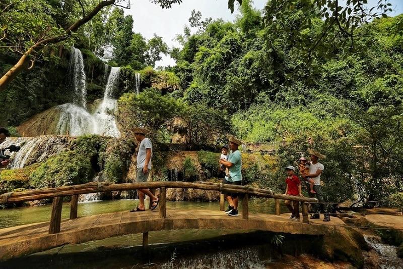 Những trải nghiệm thú vị nhất định phải thử khi tới thác Dải Yếm