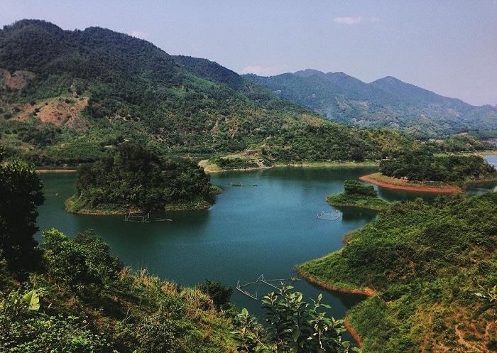 Du lịch Thung Nai thời gian nào đẹp nhất? Nên du lịch Thung Nai vào ngày rằm
